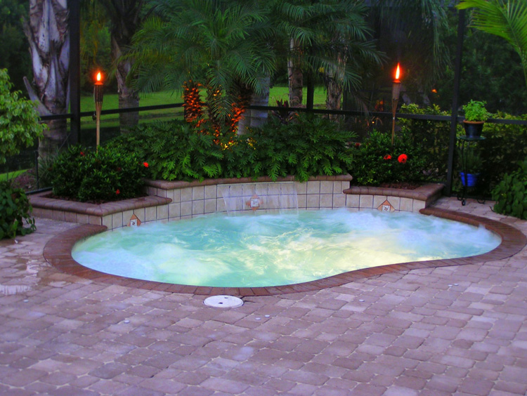 Swimming pools for small yards on pinterest small pools for Small swimming pools